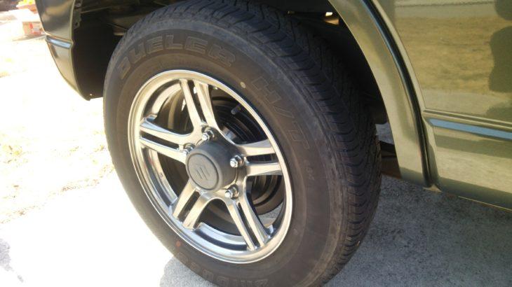 タイヤ交換にあると便利なトルクレンチとインパクトレンチ