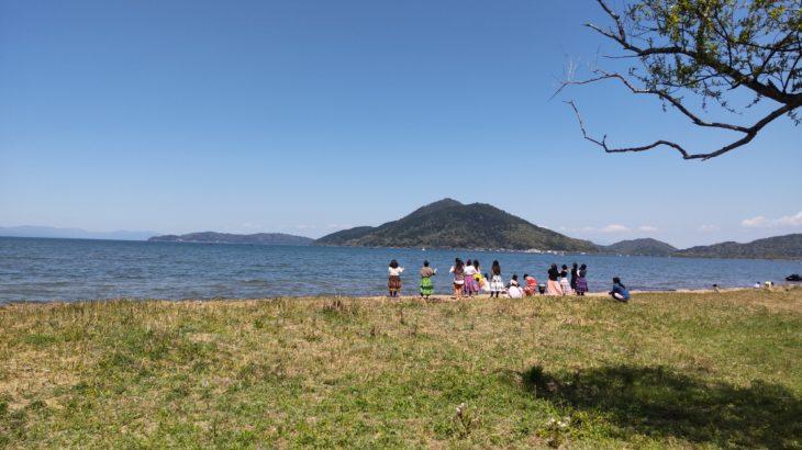 琵琶湖畔のデイキャンプ・休息にオススメの無料スポット「自然公園 湖岸緑地岡山園地」
